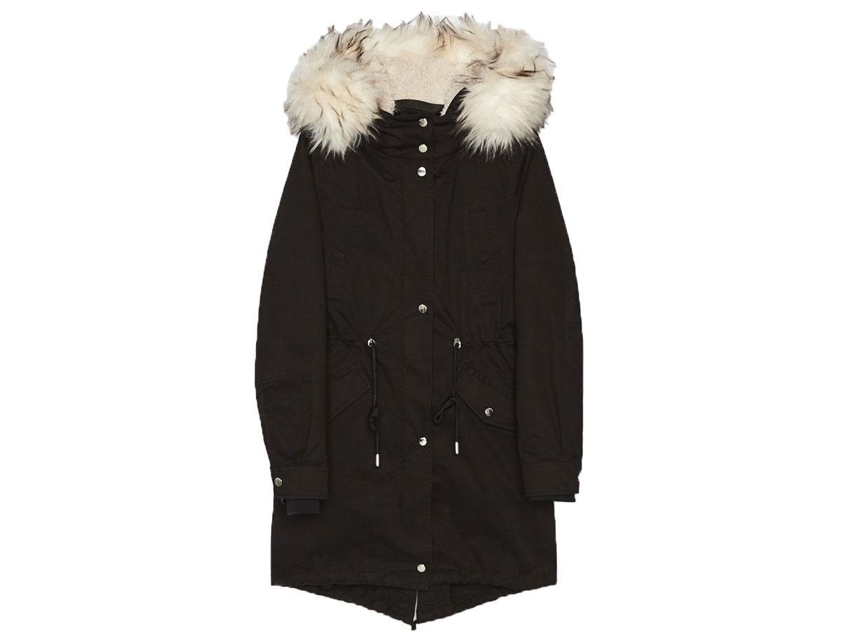 Płaszcz typu parka z odpinaną podszewką, Bershka, cena ok. 251,30 zł (wcześniej 359,00 zł)