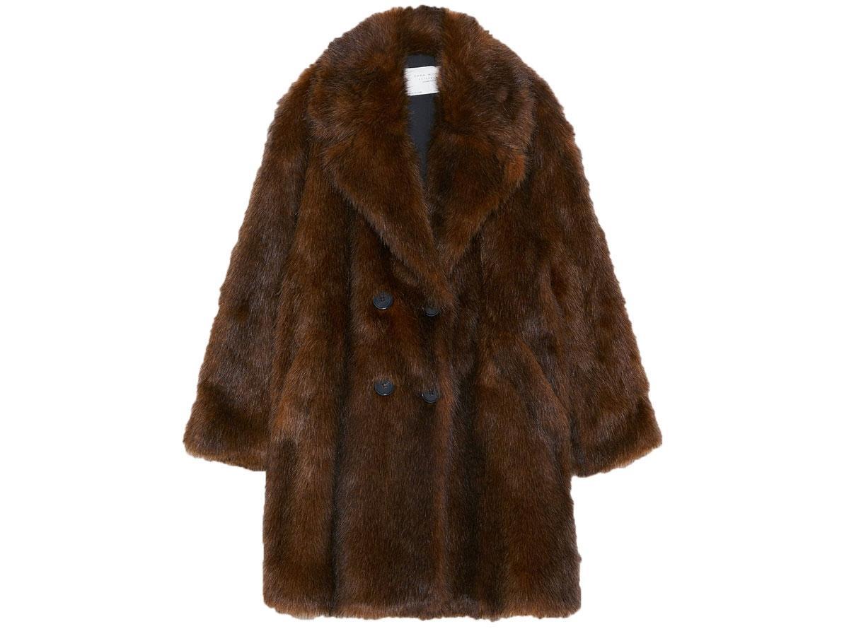 Płaszcz ze sztucznego futra, Zara, cena ok. 249,00 zł (wcześniej 449,00)