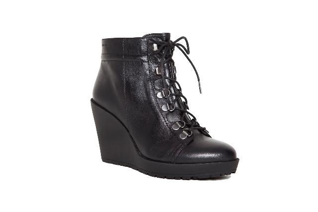 Jak nosić najmodniejsze buty tego sezonu?