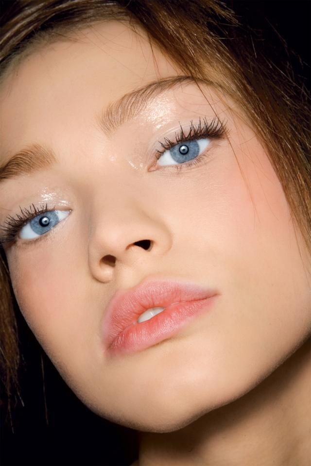 rożwietlenie, blask, makijaż