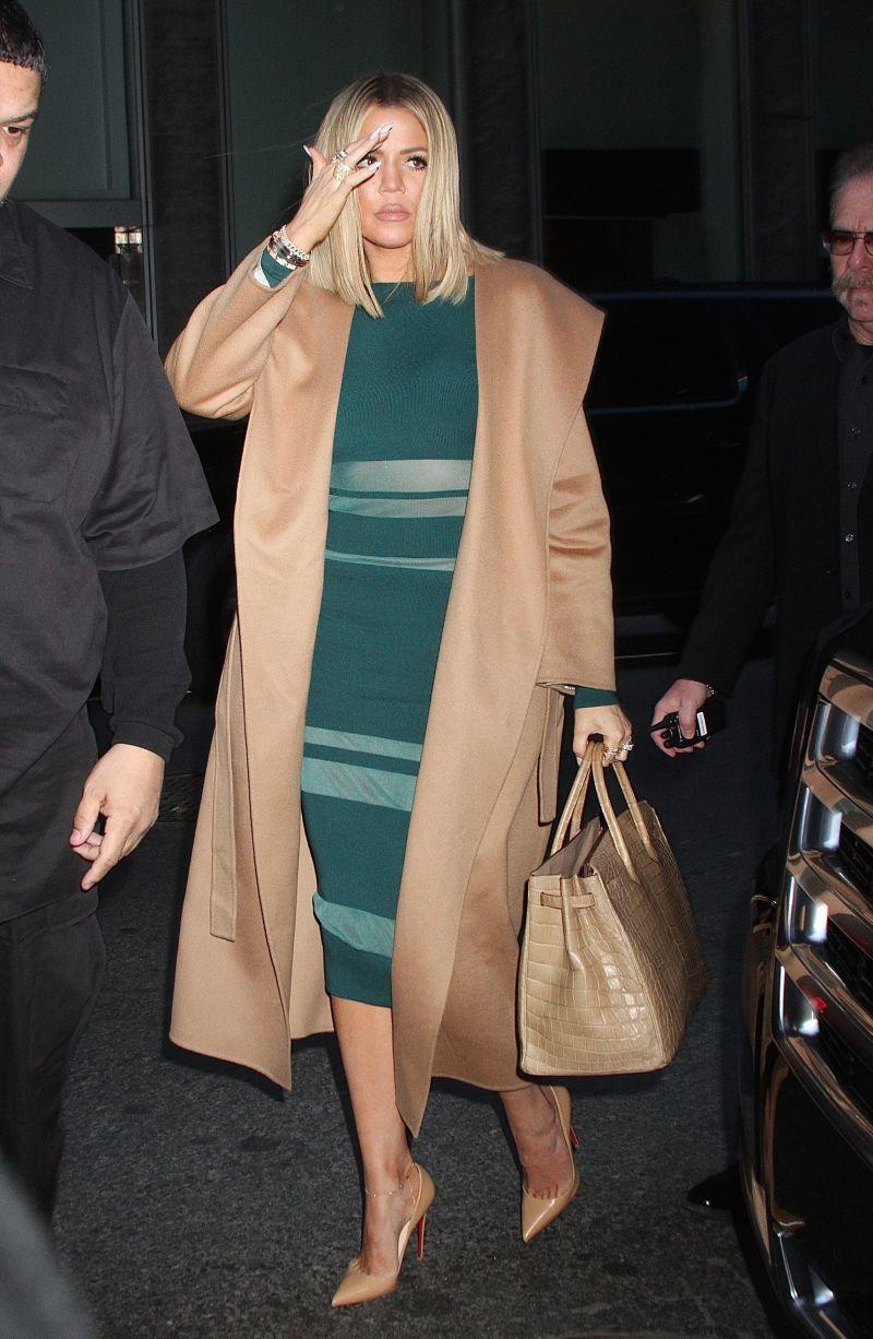 Khloe Kardashian w seksownej stylizacji