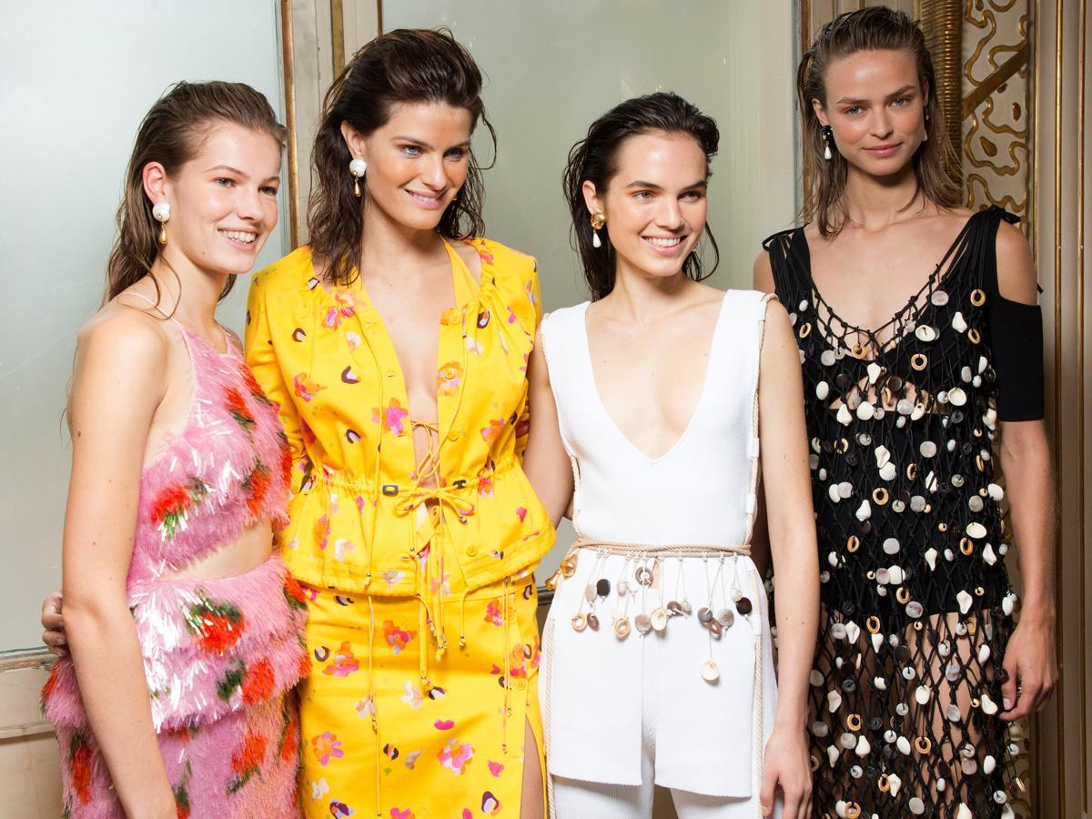 b7e8d84b56 Sukienki na wesele - modele z nowych kolekcji  GALERIA  - Jak się ...