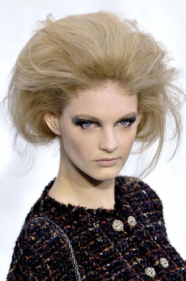 Jak Zrobić Fryzurę Z Pokazu Chanel Fryzury Zdjęcie 1 Polkipl