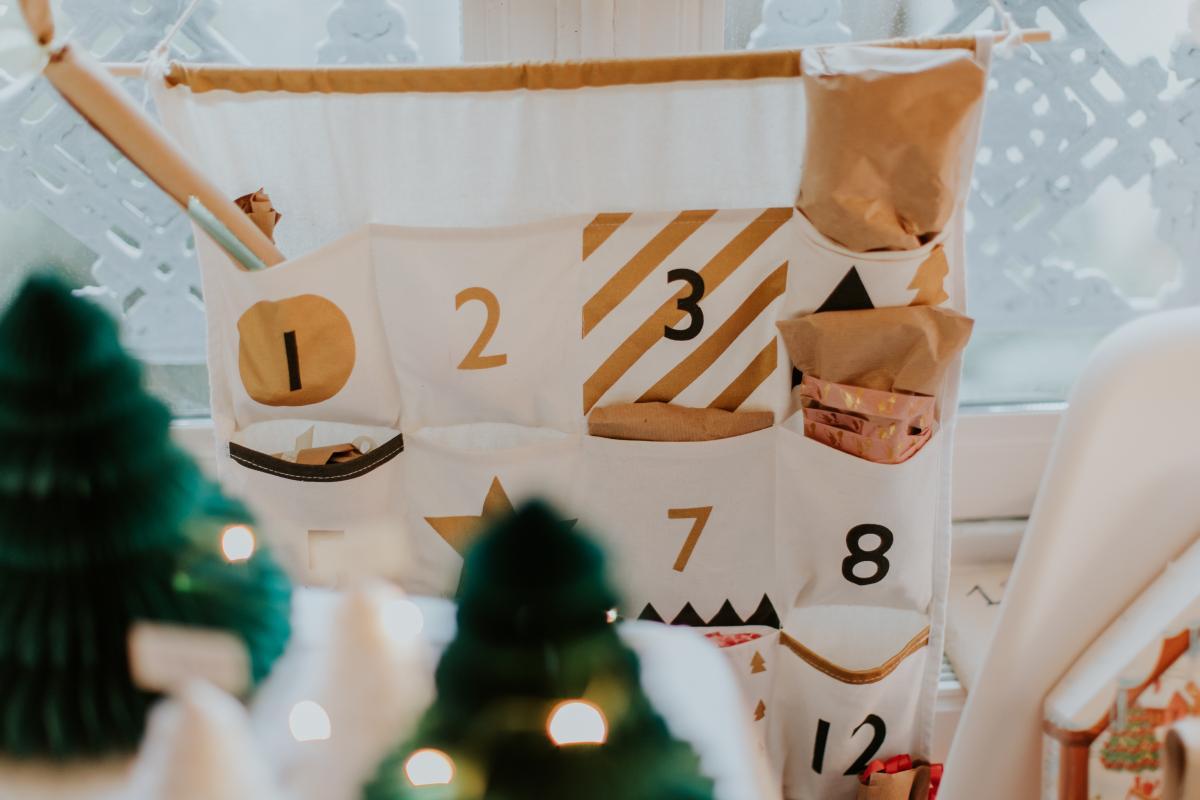 jak zrobić kalendarz adwentowy z tkaniny