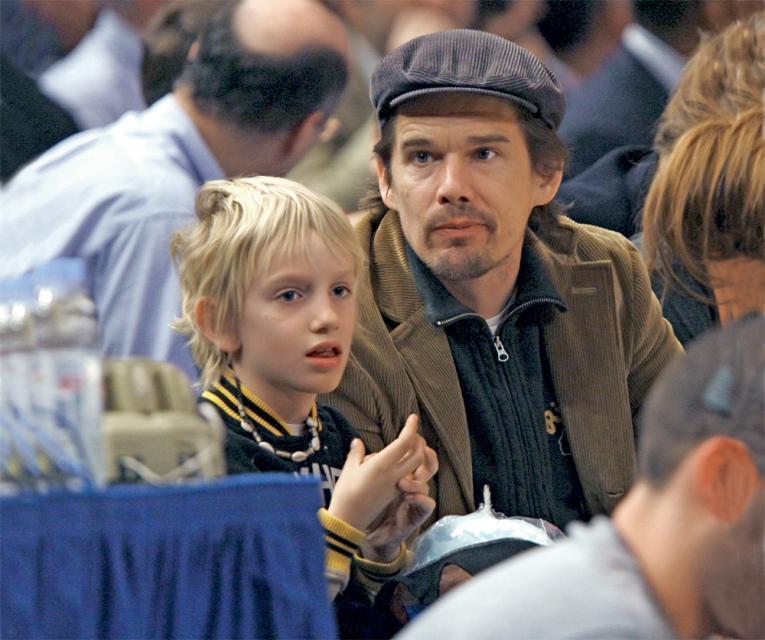 Ethan Hawke z synem Levonem