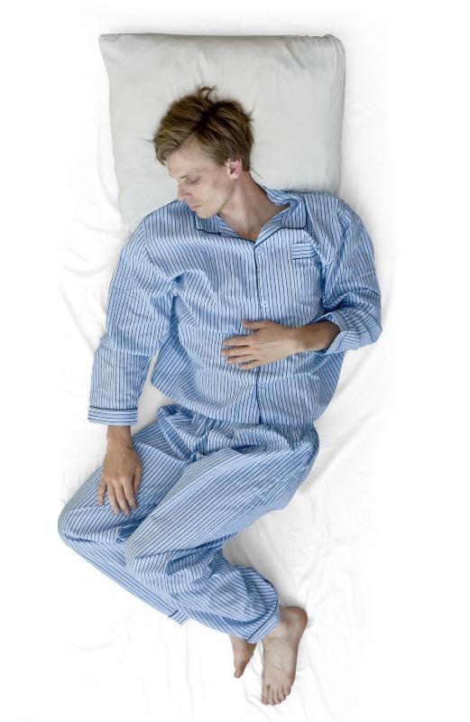 Pozycje podczas snu - mężczyzna