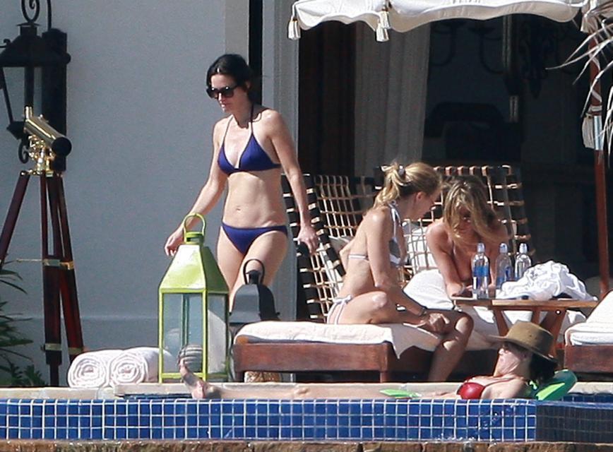 Courteney Cox, Jennifer Aniston, Sheryl Crow