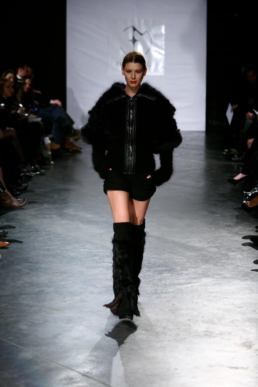 czarna kurtka Eva Minge z futerkiem - jesień/zima