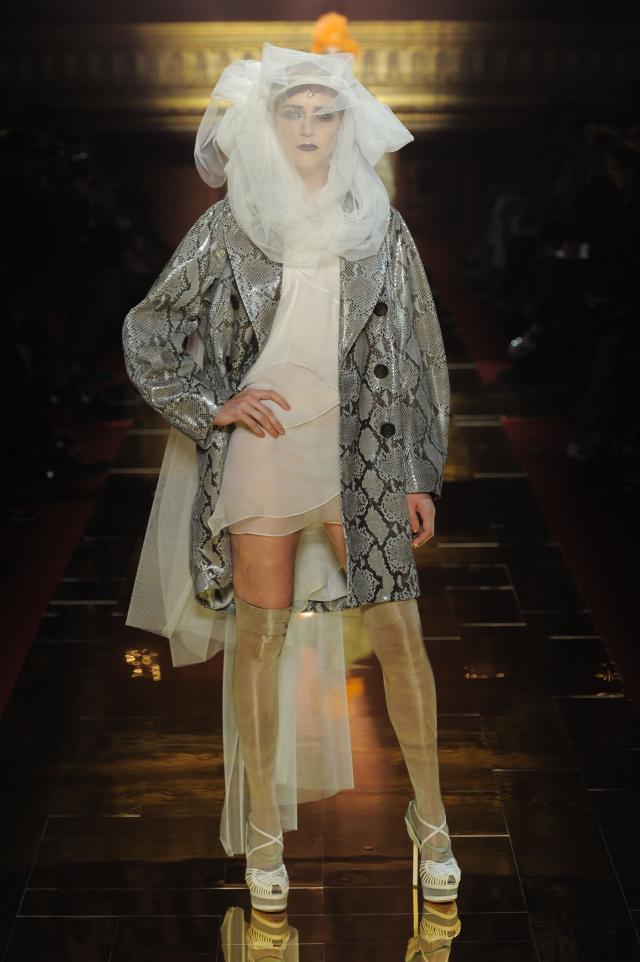John Galliano, kolekcje wiosna/lato 2011, pokaz mody wiosna/lato 2011