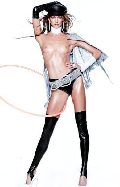 Vogue Espana grudzień 2012 - Karlie Kloss