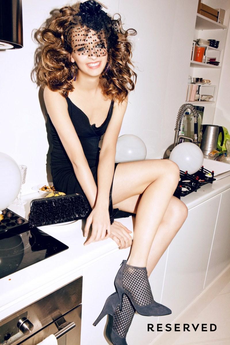 czarna sukienka wieczorowa Reserved - kolekcja wieczorowa