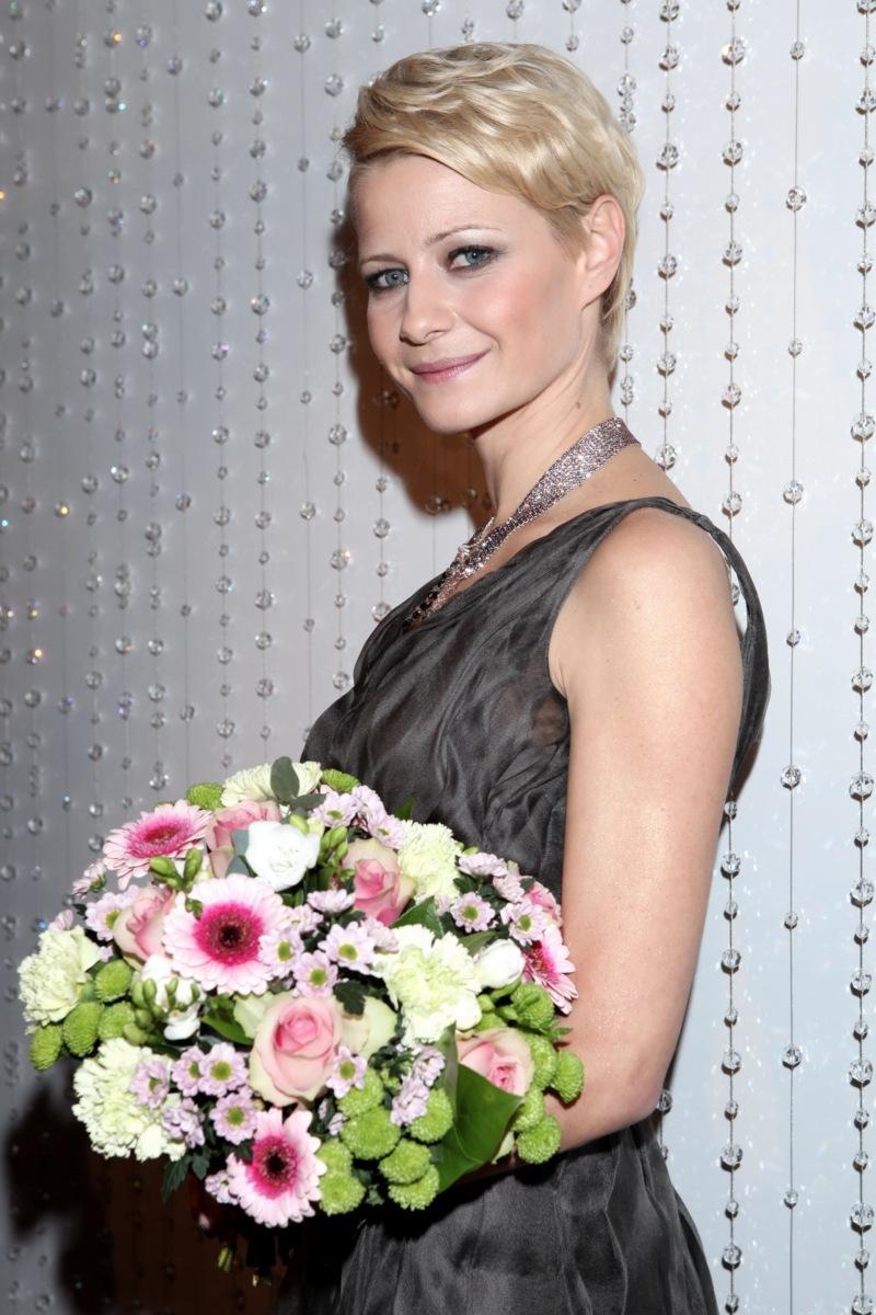 Małgorzata Kożuchowska - Karnawałowe uczesania