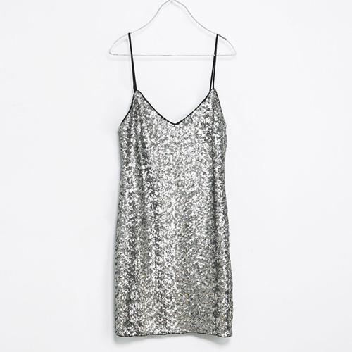 Sukienka z cekinami, Zara