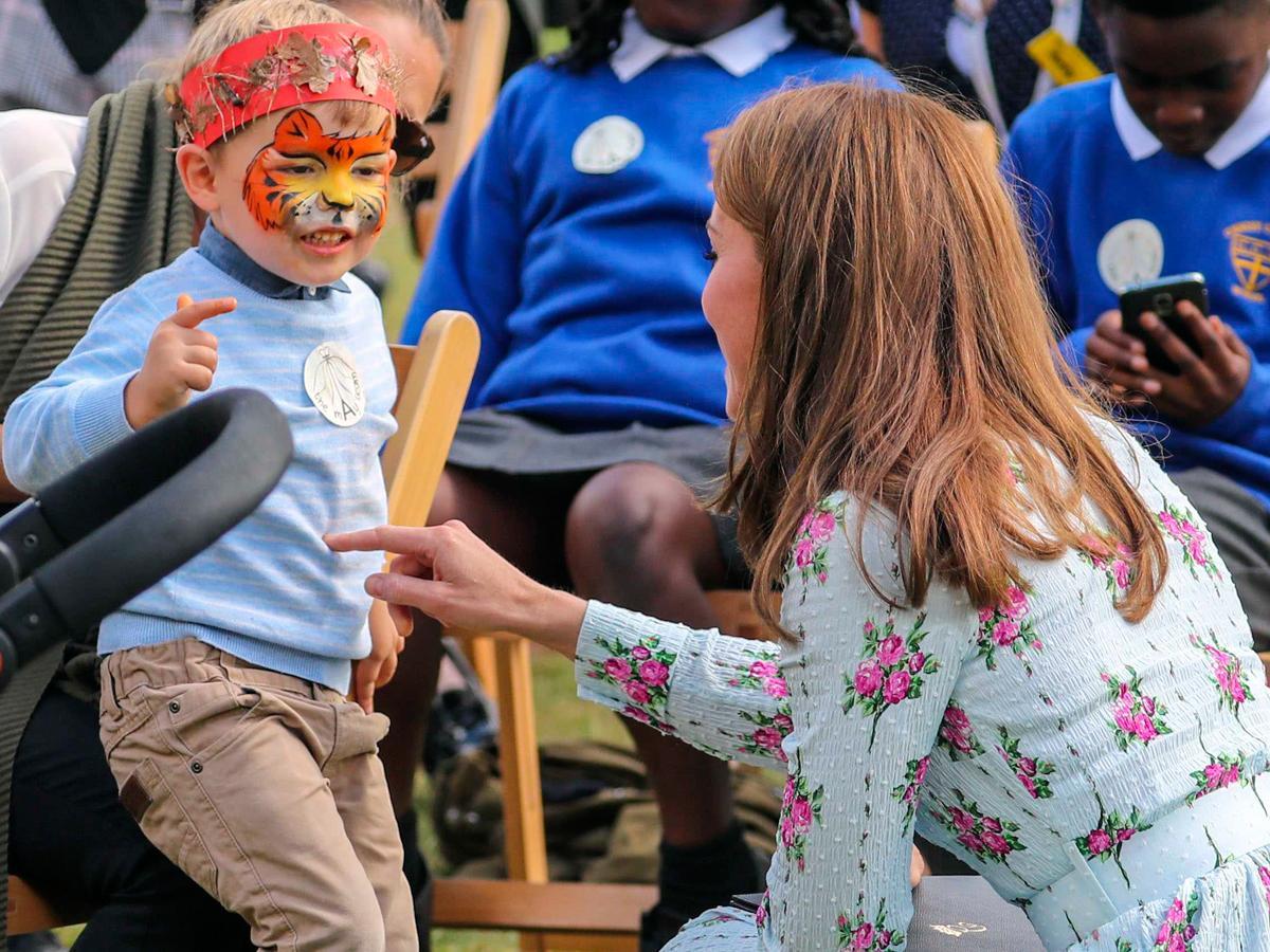 Kate Middleton z dziećmi na otwarciu placu zabaw