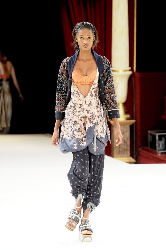 Kenzo, kolekcje wiosna/lato 2011, pokaz mody wiosna/lato 2011