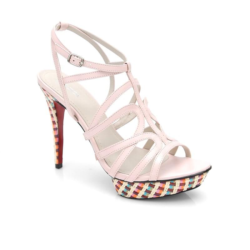 różowe sandały Kazar - wiosna/lato 2011