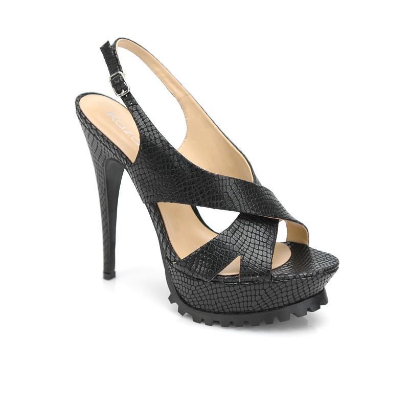 czarne sandały Kazar - moda 2011