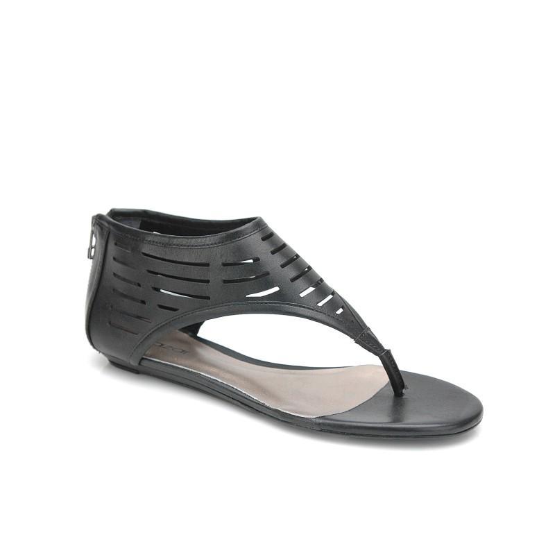 czarne sandały Kazar - wiosna/lato 2011