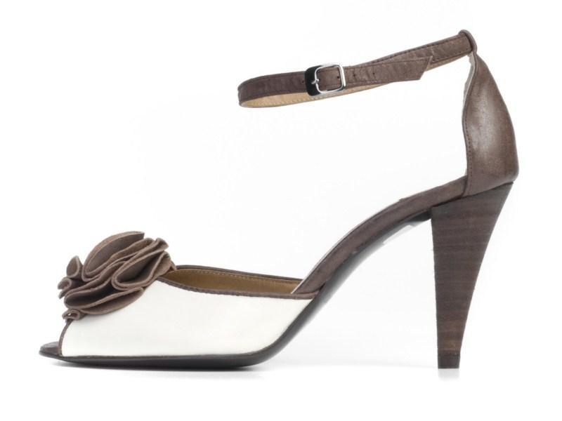 czarne sandałki Ryłko na wysokim obcasie - lato 2011