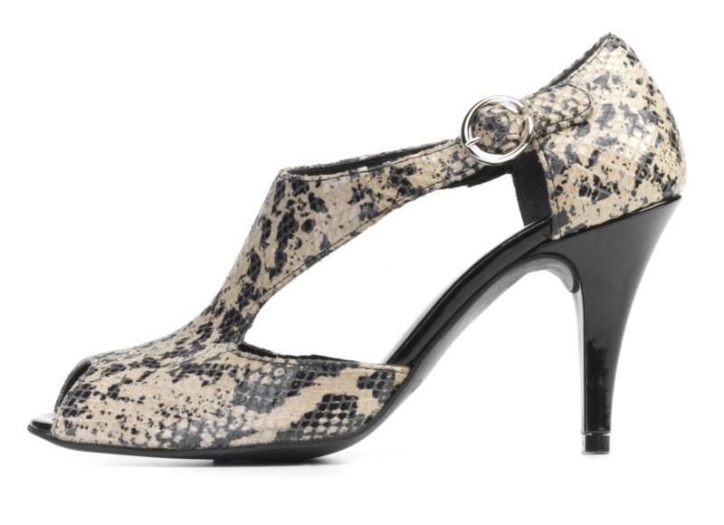 sandałki Ryłko z wężowej skóry na obcasie - moda 2011