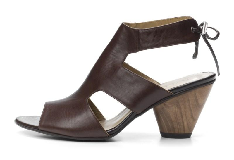 brązowe sandałki Ryłko - lato 2011