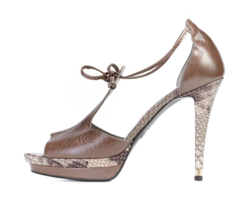 złote sandałki Ryłko na szpilce - lato 2011