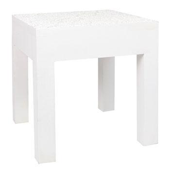 Modny stolik w kolorze bieli  trendy wnetrzarskie marki Zara Home