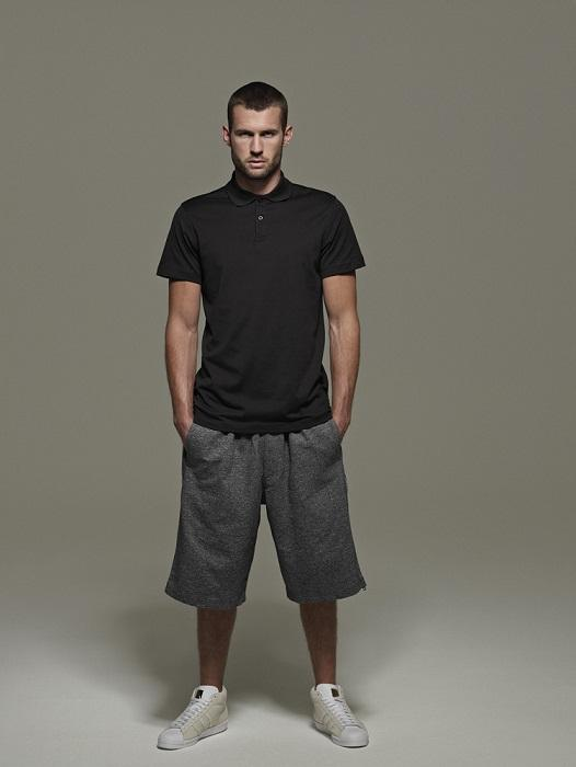 czarna koszulka Adidas - trendy wiosna-lato