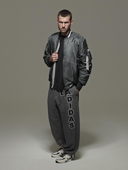 czarna kurtka Adidas - wiosenna kolekcja