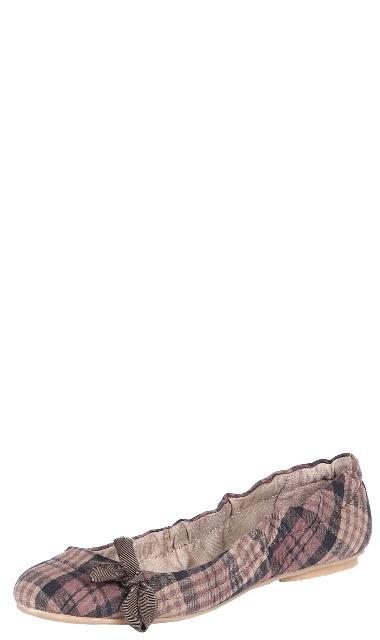 Kolekcja butów marki Stradivarius - jesień-zima 2010/2011