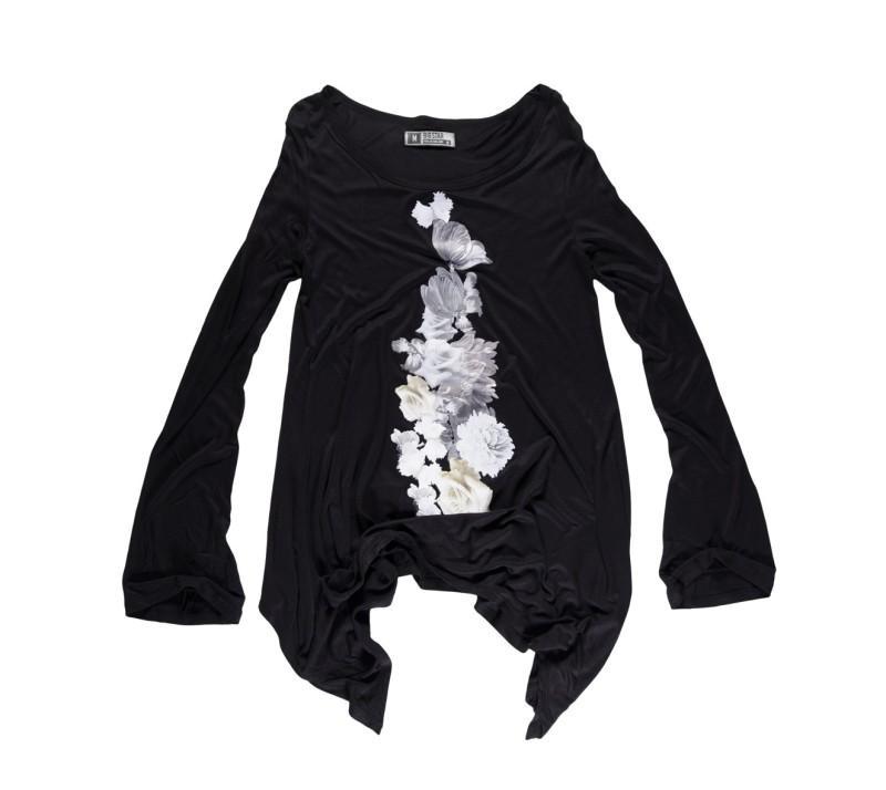 czarna bluzka Big Star z aplikacją - moda 2011