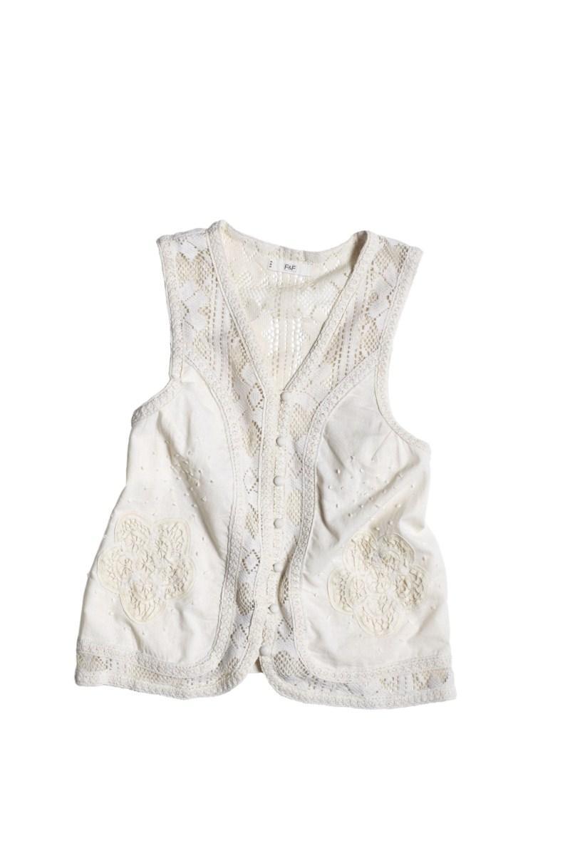 biała kamizelka F&F - moda 2011