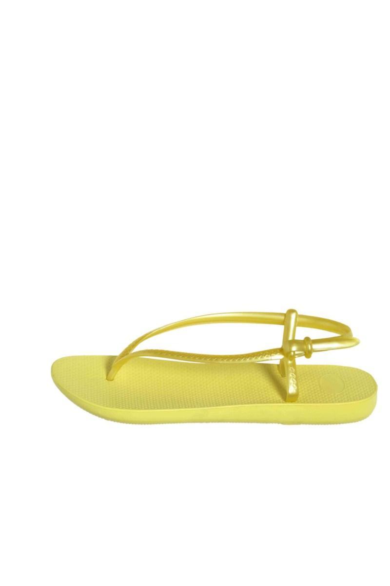 żółte sandałki F&F - moda 2011