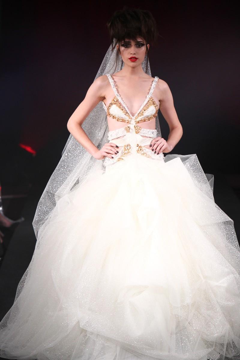 biała suknia ślubna Eva Minge - wiosna/lato 2011