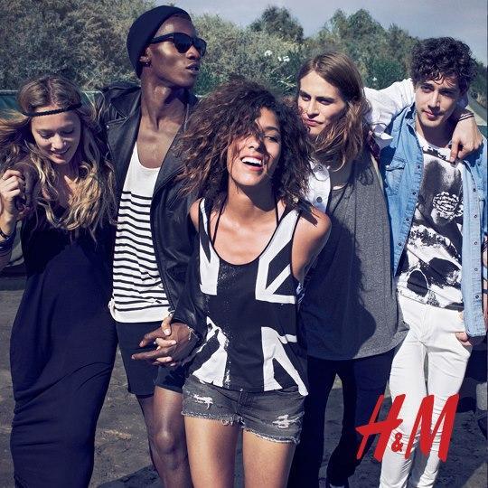 tanktop H&M z nadrukiem - moda festiwalowa