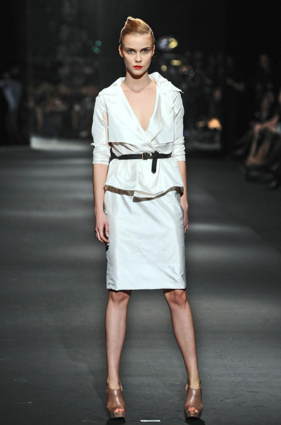 biała sukienka Zień - wiosna/lato 2011