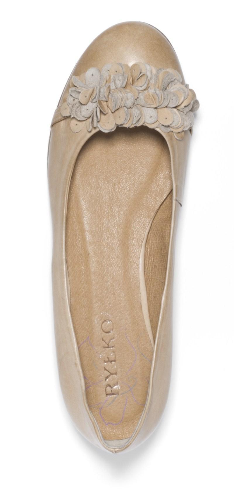 beżowe baleriny Ryłko - moda 2011