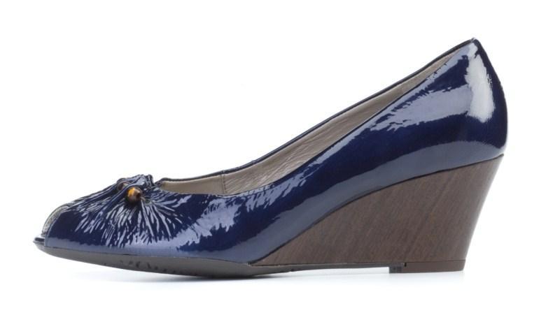 niebieskie pantofle Ryłko na koturnie - wiosna 2011