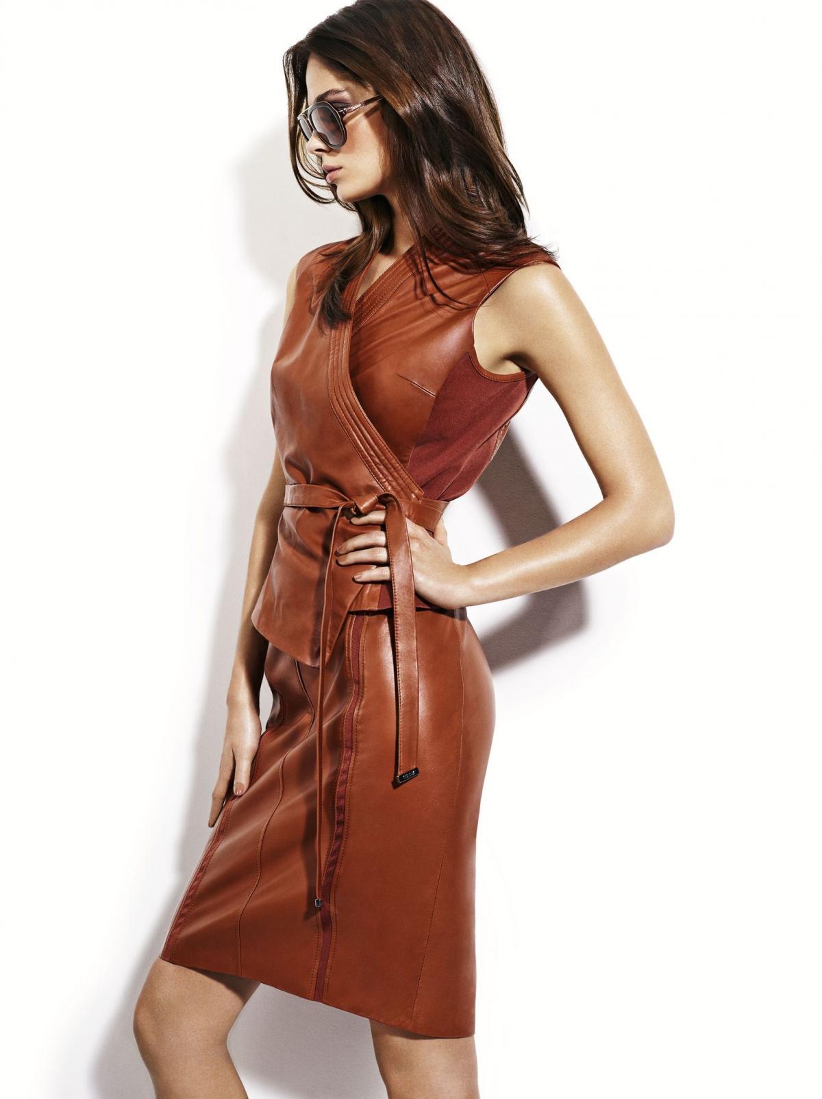 brązowa sukienka Ochnik  - trendy 2013