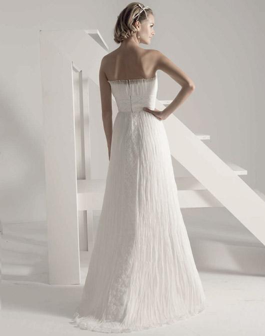 Kolekcja sukien ślubnych Fara Sposa 2009 - Zdjęcie 34