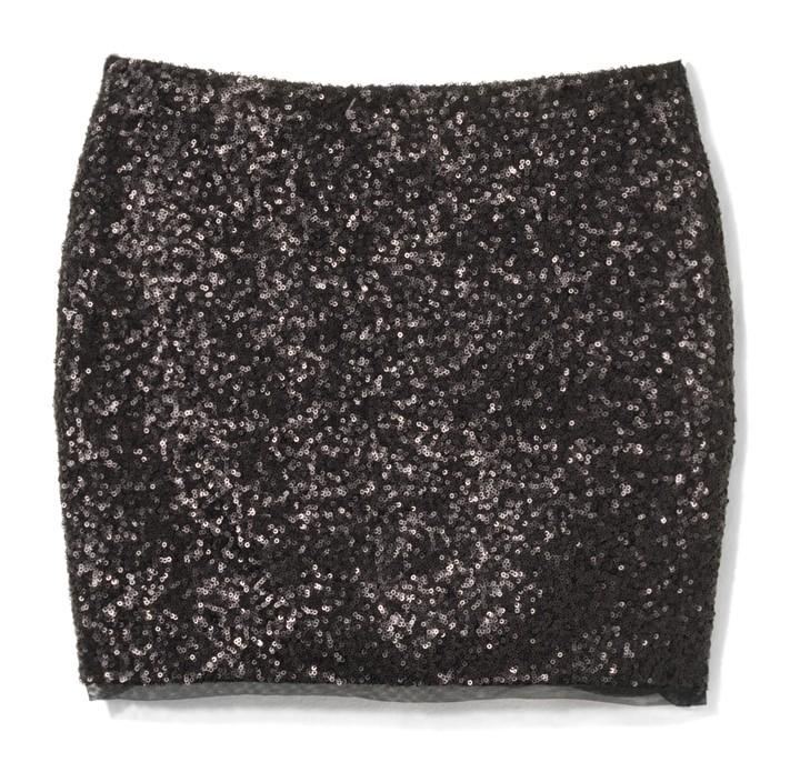 mini spódniczka House z cekinami w kolorze czarnym - kreacje na Sylwestra