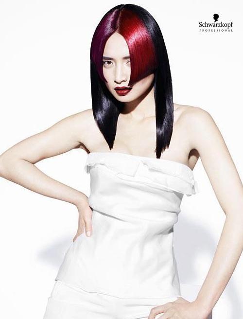 Włosy z czerwoną grzywką