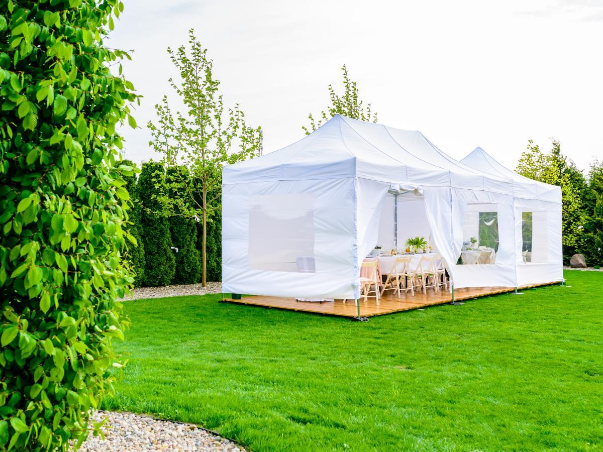 Komunia w ogrodzie - namiot