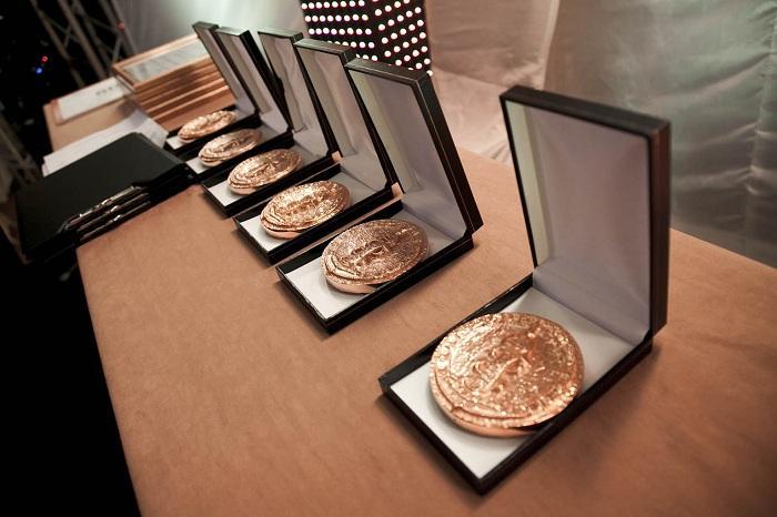 Złote medale nagrody Prix Galien tuż przed wręczeniem ich na uroczystej gali/ fot. Lighthouse PR/ Joanna Heyda