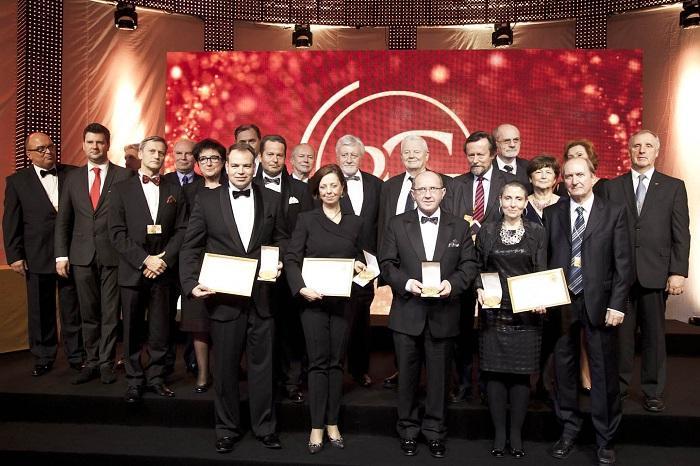 Wszyscy zwycięzcy konkursu Prix Galien w 2012 r. wraz członkami kapituły konkursu/ fot. Lighthouse PR/ Joanna Heyda