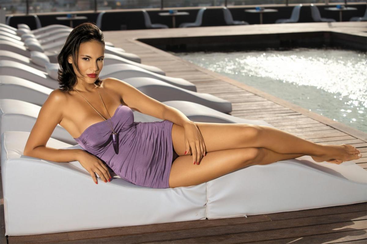 Kostiumy kąpielowe - jednoczęściowe, tankini i monokini