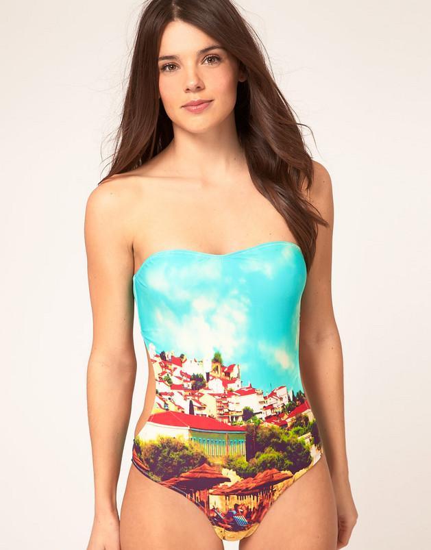 Kostiumy kąpielowe z Asos.com