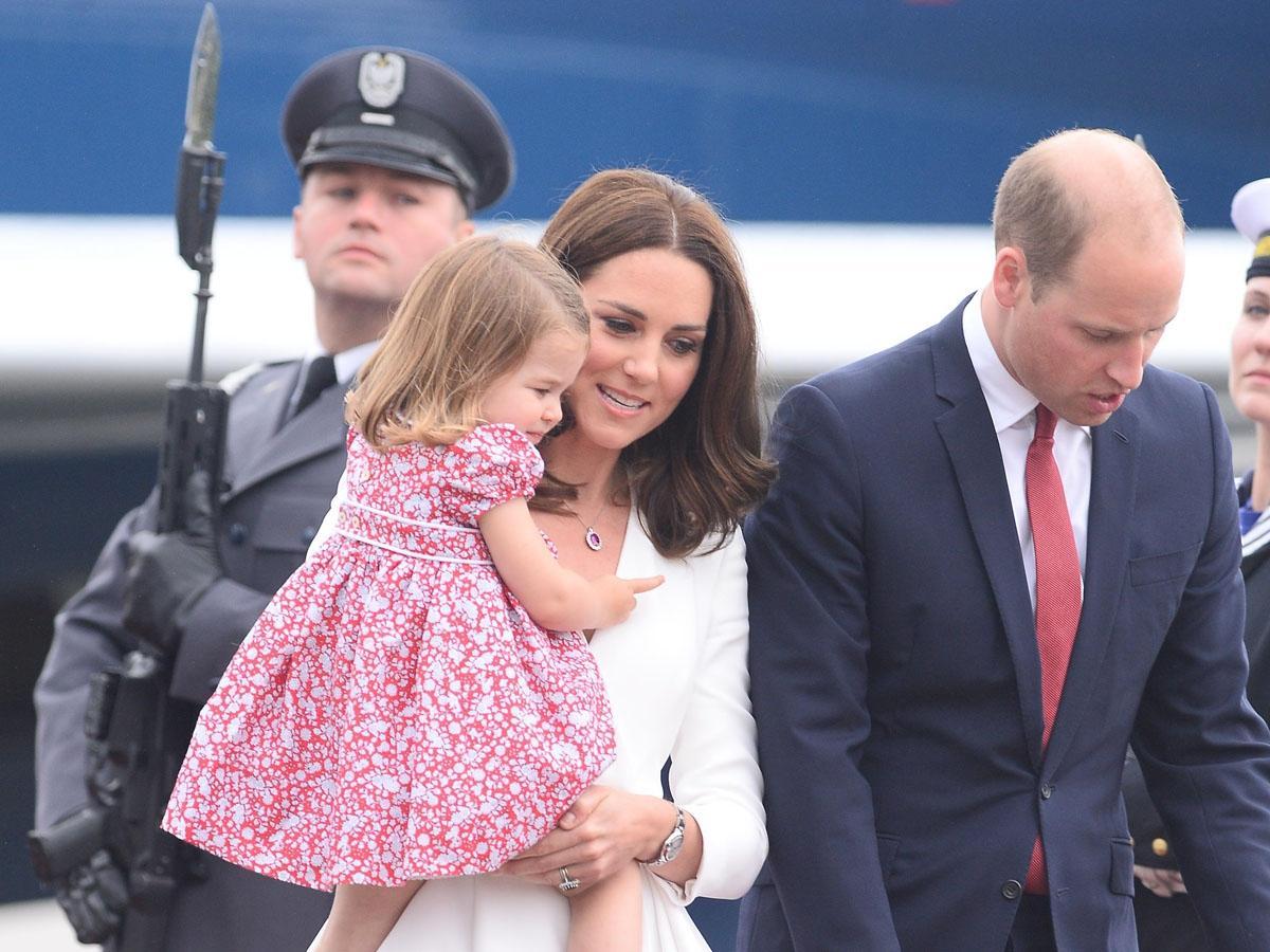 Księżna Kate i William już w Polsce! Stylizacja księżnej bezbłędna. Zobacz zdjęcia!