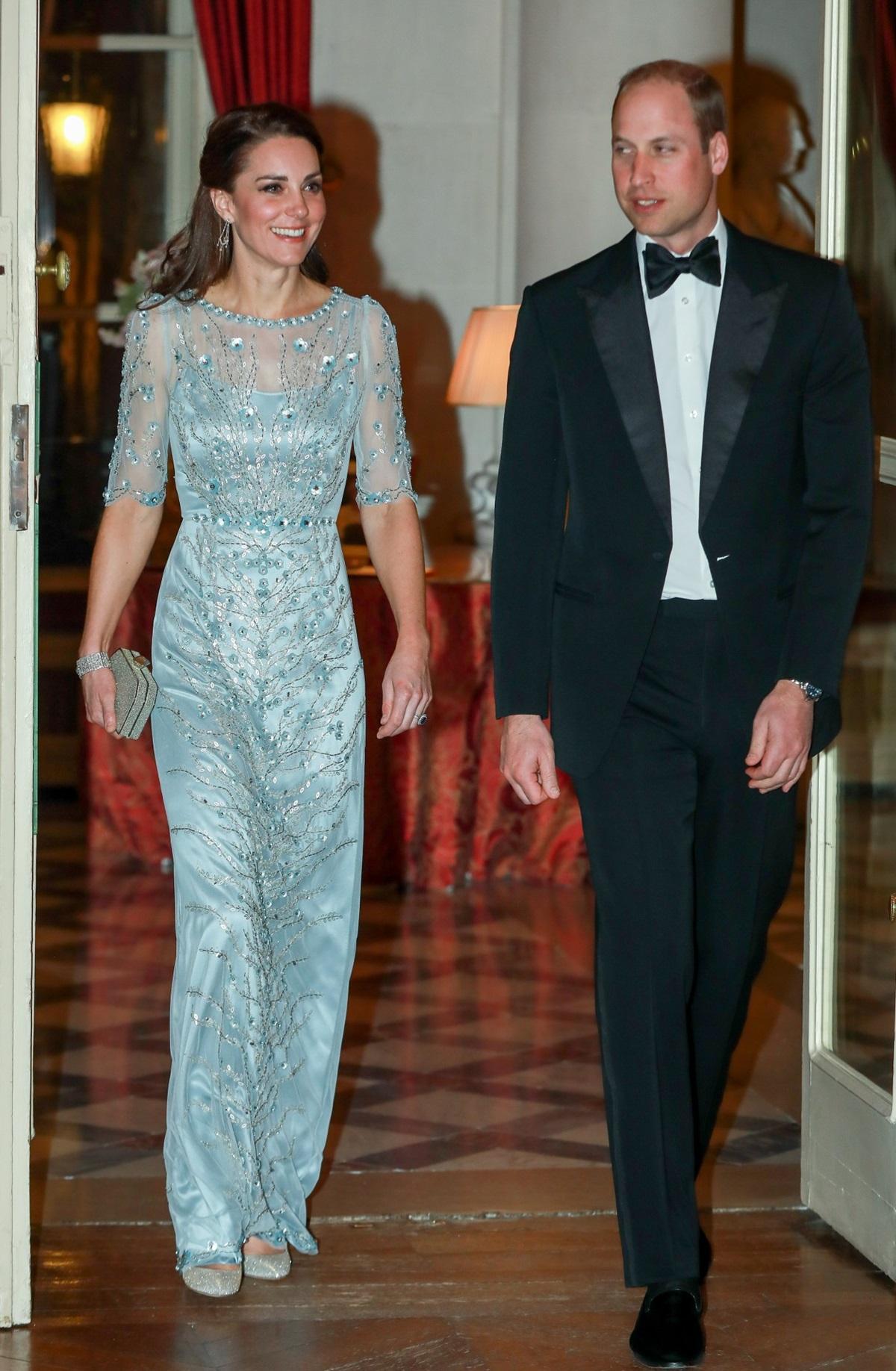 Księżna Kate w błękitnej sukni
