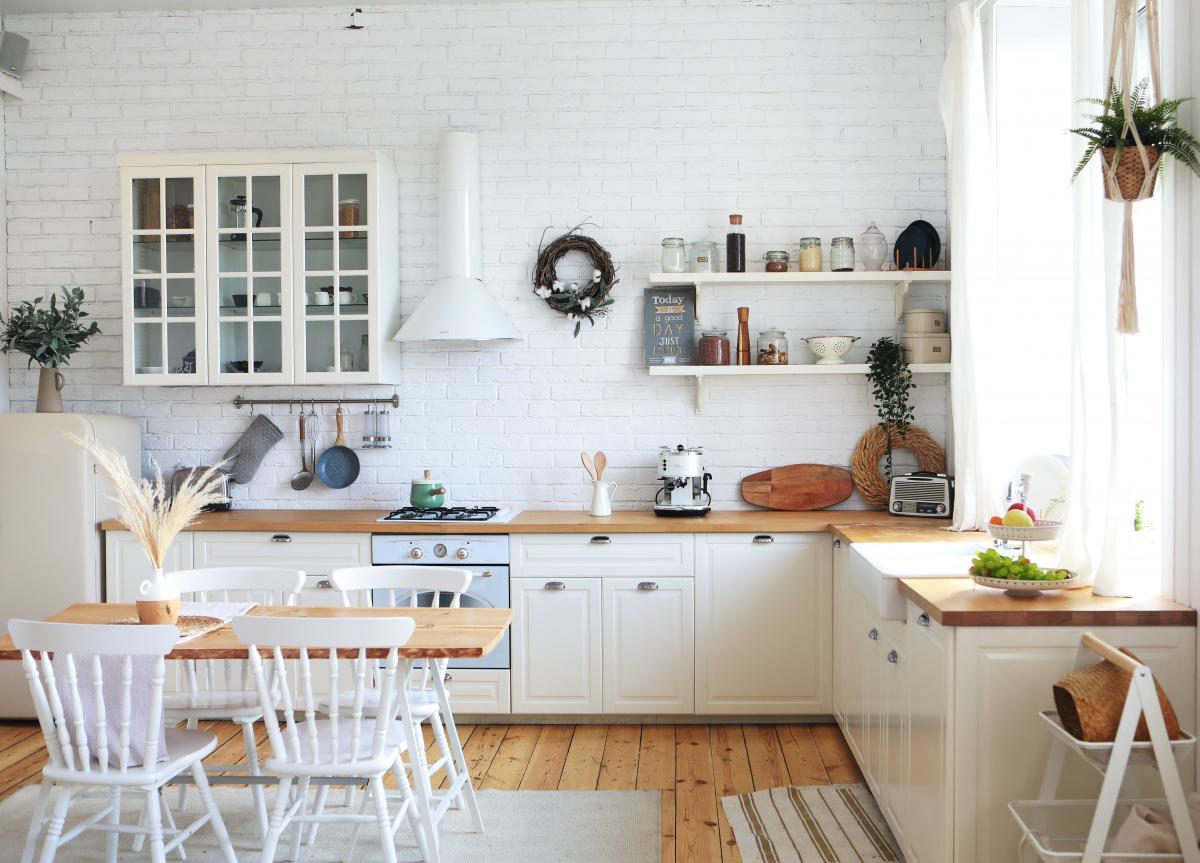podłoga w kuchni w stylu skandynawskim